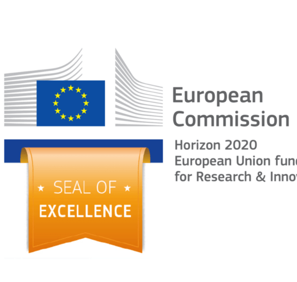 Logo de l'attribution du Seal of Excellence : Drapeau de l'UE avec texte : European Commission Horizon 2020, European Union Funding for Research and Excellence